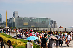 Odaiba Crowds (Ayrcan) Tags: city urban japan island tokyo asia capital metropolis odaiba honshu