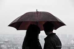 Rain over Paris (luzadrianaobregon) Tags: paris rain umbrella lluvia couple gente pareja sombrilla