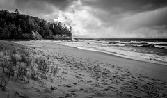 Munising Beach (Amine Zerhouni) Tags: beach up weather mi rocks michigan pictured stormy munising amine zerhouni