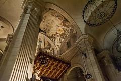 Catedral Nova, Lleida (jacqueline.poggi) Tags: sculpture espaa architecture spain cathedral catedral cathdrale catalunya espagne catalua lleida catalogne lrida architecturereligieuse