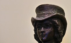 Queen Adelaide 1792 - 1849 (Theen ...) Tags: white hat statue wall bronze town hall habit expression samsung queen riding crop adelaide serene foyer theen
