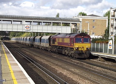 66056 at kensington (47604) Tags: olympia kensington class66 66056 7o02
