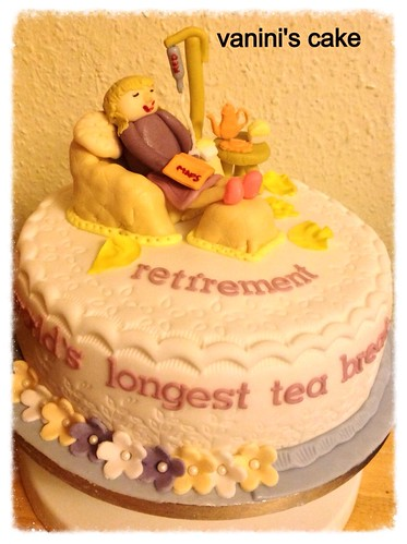Retirement Cake, with a continuous red wine infusion. What a relaxing way to spend my tea break... mmm zzzzz