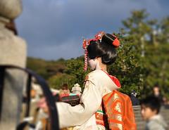 Geisha in Kyoto (Eduardo & Tatiana Photos) Tags: japan kyoto geisha japo kiyomizu roja quioto geishainkyoto