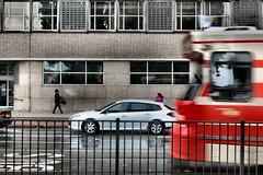 Halte Waldorpstraat (Gerard Stolk (retour de l'Occitane)) Tags: tram denhaag haag streetcar trams thehague halte lahaye waldorpstraat rijswijkseweg
