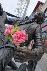Flowers for the singer (Ricky Leong) Tags: seattle travel urban flower art statue photography washington random photowalk hdr