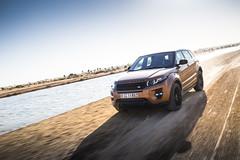 Range Rover Evoque - Off-road Dubai (landrovermena) Tags: design dubai desert offroad landrover rangerover unitedarabemirates compact  evoque    desertdriving rangeroverevoque landrovermena offroadfeatures