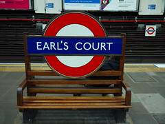 Earl's Court (DarloRich2009) Tags: london underground tube londonunderground earlscourt districtline thetube lu tfl lul theunderground transportforlondon earlscourtstation rbkc earlscourttubestation royalboroughofkensingtonandchelsea londonundergroundlimited