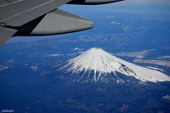Treasured Window Seat.. (Shubhashish Chakrabarty) Tags: japan wings aerialview mountfuji 日本 fujisan boeing 富士山 windowseat cathaypacific 飛行機 windowseatview