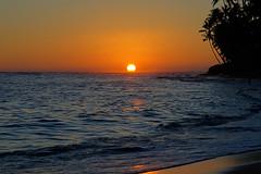 Cromwell's Soft Glow at Dusk_DSC06497 (Wes Suzawa's iLand Photos) Tags: ocean sunset sea sun beach island hawaii sand paradise surf voigtlanderheliar75mmf25 sonynex6