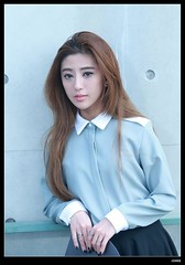 nEO_IMG_DP1U2230 (c0466art) Tags: school light portrait sunlight girl face female canon hair nose golden eyes asia soft pretty outdoor taiwan feeling romatic  1dx c0466art