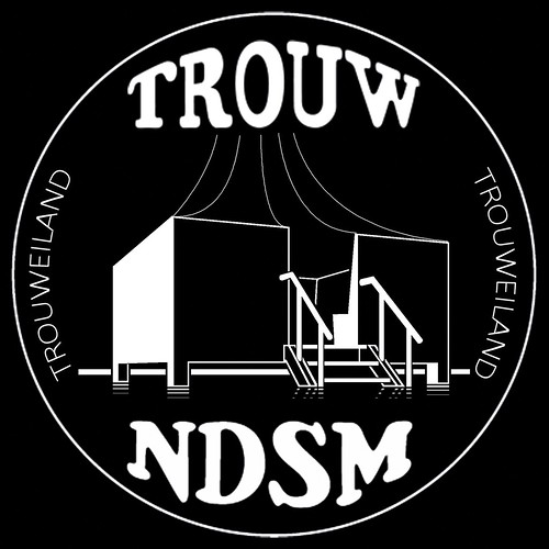 "logo Trouweiland NDSM w/z • <a style=""font-size:0.8em;"" href=""https://www.flickr.com/photos/129725436@N07/16589708685/"" target=""_blank"">View on Flickr</a>"