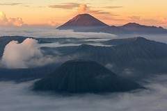 _29A0639 (OngCC) Tags: mountain clouds sunrise indonesia landscape volcano surabaya bromo