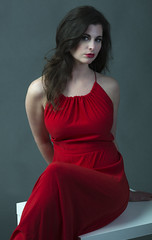 _E6A9466 (VMCS Photography @ Studio Chapeau) Tags: red woman beauty amsterdam fashion lady glamour fashionphotography femme chapeau gown fashionshoot reddress atelier glamourshot ladyinred studiophotography redrules bellamystraat redgown chpeau instagram studiochapeau fotostudiochapeau atelierchapeau