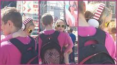 Harde muziek.................. (Ilona67) Tags: man festival hoorn kind muziek vader buiten roze koptelefoon straatportret