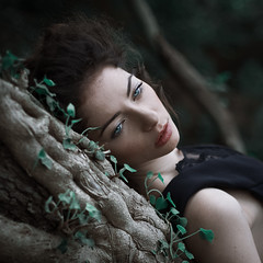 Black chaos (la_cla25) Tags: wood light portrait black beautiful beauty forest model eyes bokeh lips occhi ritratto luce bosco labbra modella