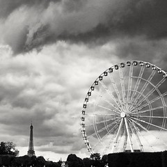 Paris: the old and the now (dave.rossiter) Tags: paris tower wheel big place ferris eiffel concorde bigwheel placedelaconcorde