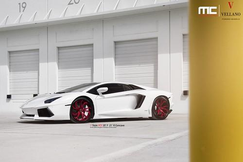 Lamborghini Aventador на дисках Vellano