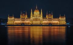 Hungarian Parliament Building (aurlien.leroch) Tags: europe hongrie hungary budapest night cityscape longexposure nikon d3000 orszghz hungarianparliamentbuilding gold or
