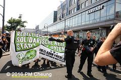 Solidaritt mit der Rigaer94! Rebellische Nachbarn - Solidarische Kieze - Stadt von unten!  25.06.2016  Berlin  IMG_5226 (PM Cheung) Tags: berlin kreuzberg refugees parade demonstration queer friedrichshain polizei so36 neuklln 2016 ausbeutung heinrichplatz flchtlinge rassismus friedrichshainkreuzberg xcsd diskriminierung oranienplatz transgenialercsd rigaer94 csdberlin hausprojekt m99 protestdemonstration tcsd lgbtqi gentrifizierung kadterschmiede oplatz pmcheung csdkreuzberg solidarittsdemonstration pomengcheung sdblock facebookcompmcheungphotography kiezdemo gerharthauptmannrealschule transgendern eincsdinkreuzberg mengcheungpo friedel54 yallaaufdiestrasequeerbleibtradikal kreuzbergercsd2016 yallatothestreetsqueerstaysradical solidarittmitderrigaer94rebellischenachbarnsolidarischekiezestadtvonunten christopherstreetday2016friedel54 rumungkadterschmiede 25062016