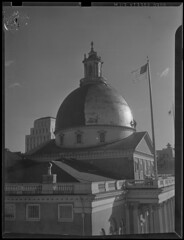 State house dome being painted over for war effort (Boston Public Library) Tags: worldwarii civildefense domes beaconhill capitols massachusettsstatehouse lesliejones
