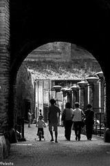 Passiagata- (ako_ni) Tags: people bw lights shadows candid verona spotmetering ancientarcheticturebridgecanon450dtokina1116mm
