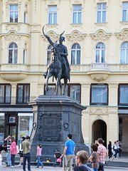 Ban Jelačić Square - Ban Jelačić monument