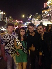 (Jonasbesties) Tags: vegas usa fan kevin brothers nick joe fans miss jonas 2013