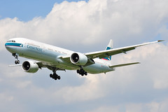 B-KQA (G-VWKD) Tags: heathrow boeing 777 heathrowairport cathaypacific