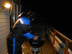 Weber bbq in november (GeirB,) Tags: winter bbq grill arctic steak weber porkribs grilldress wintergrill