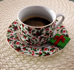Christmas (eltpics) Tags: christmas cup coffee decoration holly eltpics