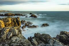 coucher de soleil sur la cte sauvage (Leroty Lucie) Tags: mer pose de soleil coucher bretagne cote vague rocher sauvage longue