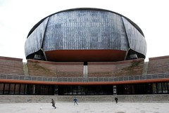 _DSC1238 (Stefanos Antoniadis) Tags: city urban italy music rome roma building architecture teatro italia theatre contemporary edificio piano musica urbano architettura auditorium renzo lazio citt contemporaneo cavea rpbw