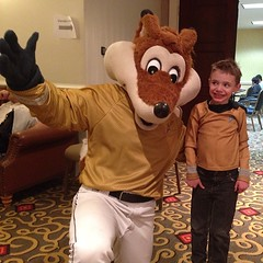 #Malikai meets Captain Sox the fox! #GalaxyFest is awesome. :) / on Instagram http://instagram.com/p/ku4SouMmmp/
