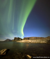 Aurora Vry Nupen (June Grnseth EFIAP PPSA) Tags: ocean blue panorama reflection green moonlight lofoten auroraborealis vry nupen mostad bestphotolofoten junegrnseth