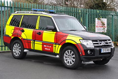 Meath Fire & Rescue Service 2007 Mitubishi Pajero HPMP Fire L4V 07D24551 (Shane Casey CK25) Tags: blue light red rescue man men station wheel yellow fire lights drive all jeep 4x4 4 engine crew fireman vehicle service fireengine firemen firestation flashing emergency 13 firefighter mh rapid siren awd kells pajero brigade 2007 battenburg firebrigade response fbs bluelights meath weel rrv mitubishi mh13 l4v hpmp firebrigadesociety 07d24551