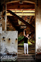 Dance-01 (Michele Zecchin) Tags: portrait color art abandoned industry colors portraits project photography dance mood factory arte danza flash michele setting ritratti industria ritratto abandonment dismessa fabbrica progetto fotografico abbandono abbandonata zecchin ambientazione progettofotografico statodanimo nikon18105 nikond7000