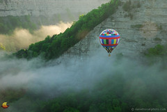 Balloon over Fogy Gorge - 15th Annual Red, White & Blue Balloon Festival - Letchworth State Park (DSH_8254) (masinka) Tags: hot air balloon letchworth state park fog foggy valley gorge 15th annual red white blue rally fest festival greatbend morning sunrise cliffs nature landscape photography etbtsy outdoors leisure event memorial weekend day