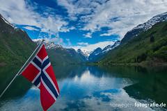 Oldendalen (www.norwegen-fotografie.de) Tags: norway norge norwegen gletscher stryn frhling olden frhjahr sognogfjordane oldendalen oldental
