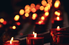 Lisbona - Lumini (Celeste Messina) Tags: red portugal church fire lights focus candles god bokeh maria lisboa lisbon madonna flames faith prayer chiesa igreja dio rosso candela cristiano fede fuoco lisbona portogallo candele preghiera lumini saodomingos fiammelle