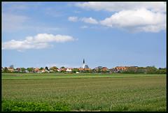 Den Hoorn (xlod) Tags: sky cloud holland church netherlands field landscape feld kirche himmel wolke aussicht landschaft texel niederlande denhoorn scenicview