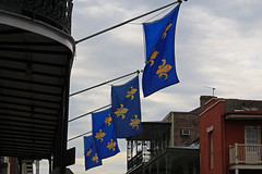 French Quarter - Vieux Carr (Flagman00) Tags: blue france french gold ancient flag neworleans royal frenchquarter bandera fleurdelis thequarter vieuxcarr lanouvelleorlans