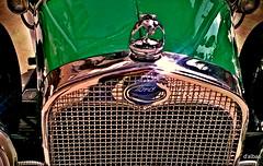 Halcn y parrilla (Franco DAlbao) Tags: verde green classic car shine hawk coche falcon grille parilla 1930 brillo halcn clsico forda dalbao francodalbao microsoftlumia