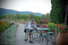 Au Chateau ... ( P-A) Tags: nature fleurs vacances photos ctedazur provence t amis jardins verdure voyages vaucluse mditerrane visiteurs annuels midiprovenal chteaudelourmarin simpa