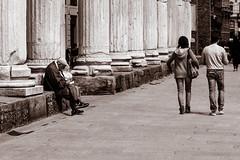 wandering (Fox'sPhoto) Tags: street light people urban bw milan walking sanlorenzo wandering wander biancoenero colonne ncg