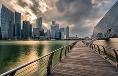 Marina Bay - green water (Stefan Sellmer) Tags: green water architecture clouds singapore cityscape outdoor sg singapur singaporeriver marinabay longtimeexposure