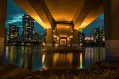 Cambie Underbelly (Geoff Blondahl) Tags: bridge canada reflection water vancouver nikon nightlights britishcolumbia 500 bcplace cambiestreetbridge project365 d810