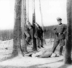 A Buchenwald SS guard with inmates being tortured in 1942. [909x855] #HistoryPorn #history #retro http://ift.tt/1UWhDMR (Histolines) Tags: history buchenwald with being ss guard retro timeline 1942 tortured inmates vinatage a historyporn histolines 909x855 httpifttt1uwhdmr