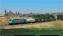 Al fin, con cisterna (Trenes2000) Tags: tren trenes rail salamanca combi moviles teco renfe cisterna cajas 335 megacombi constanti vossloh transfesa 335004