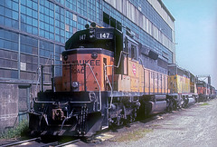 Milwaukee Road SD40-2 147 (Chuck Zeiler) Tags: road railroad milwaukee locomotive 147 chz milw emd sd402